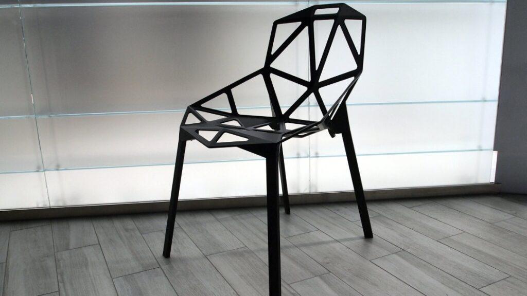 Oryginalnie wyglądające krzesła